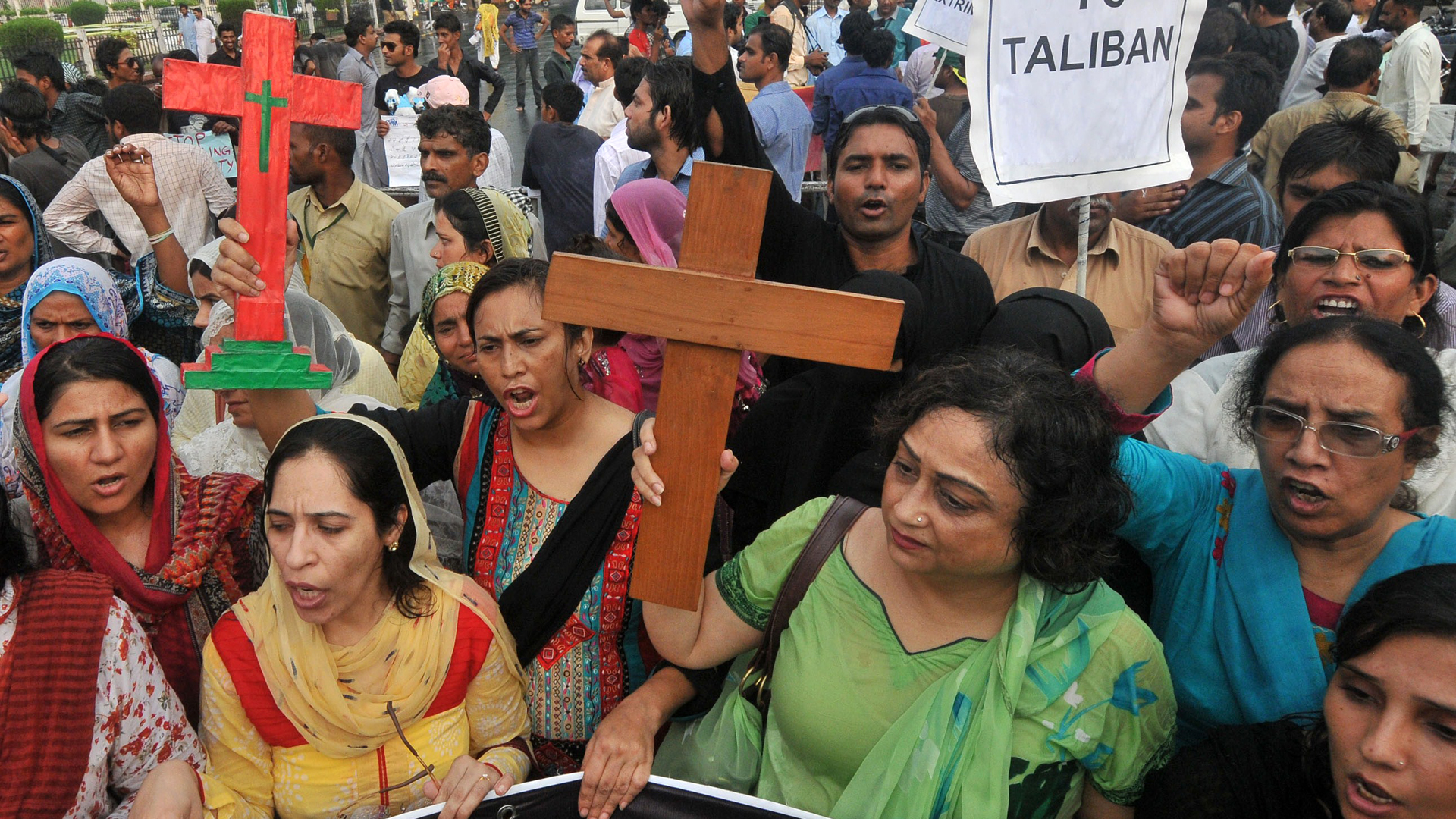 Image: PAKISTAN-UNREST-ATTACKS-CHRISTIAN