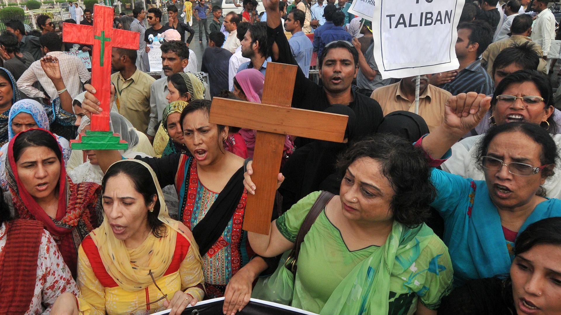 Image: PAKISTAN-UNREST-ATTACKS-CHRISTIAN